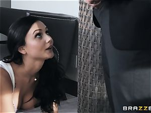 taunting sweetie Ariana Marie