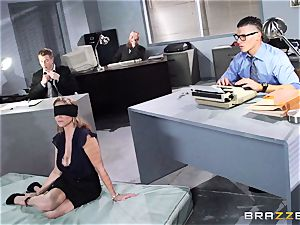 sumptuous manager Julia Ann gets a dual creaming