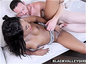Yara Skye uses her facehole to graduate