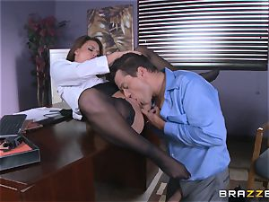 Eva Angelina gets her bosses yam-sized man sausage across her desk