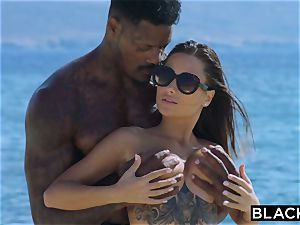 BLACKED perfect figure hottie screws Her bbc Diving Coach