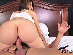 Joslyn James leaves her bf for a fresh man