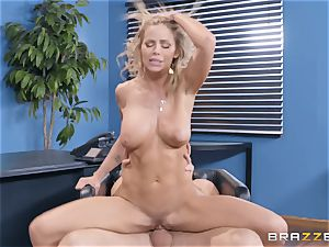Jessa Rhodes feasting on a ample meatpipe