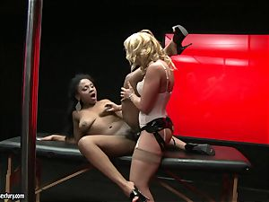 rough Kathia Nobili shoves her wire on man rod deep down her counterpart facehole