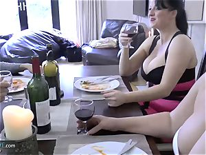 AGEDLOVE grandmother chubby Lacey Starr encountered her friends