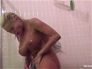 Nikita's Home vid - showering and pruning herself
