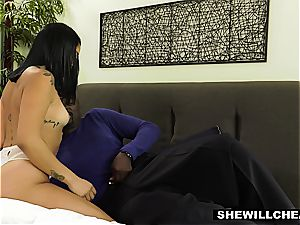 Vanessa Sky luvs going bi-racial and finds herself a big black cock to inhale on