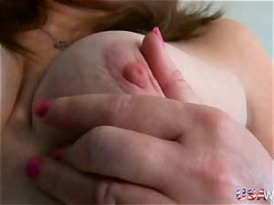 USAwives sizzling mature lady Lisal unclothing down