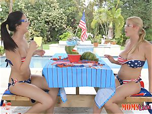 Alexis Fawx and Alexis Deen slit tonguing duo after gushing a watermelon