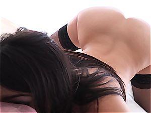 pornography pornstar Valentina Nappi wide open on salami