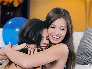 Keisha Grey and Scarlett Sage gash frolicking beauties