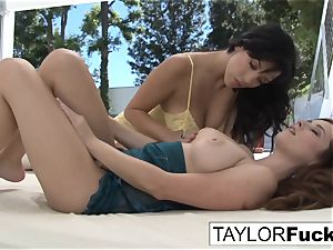 Outdoor fun With Taylor and Jelena