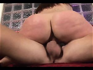 Rampant Gianna Michaels rails her snatch on a big man meat