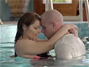 RELAXXXED - sensuous underwater orgy with close up shots