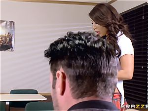 buxom babe Angelica Taylor drilled by her schoolteacher
