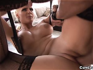 Phoenix Marie gives us an outstanding rectal this Xmas