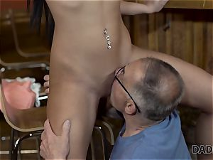 DADDY4K. Angry stud catches senior parent pulverizing his good-looking female