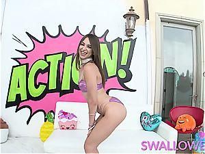 swallowed puny Riley Reid has no gag reflex