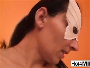 milf Melinda gets stiff ass fucking
