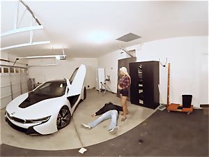 VR PORN-Hot cougar penetrate The Car Theif