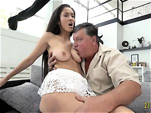 ultra-cutie with phat mammories porked hard