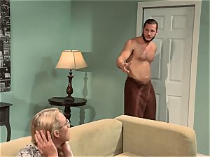 Keira Nicole smashes her half bare housemate