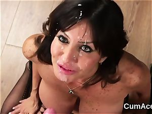 cool babe gets pop-shot on her face guzzling all the spunk