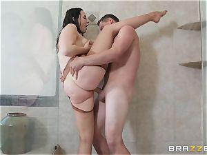 Chanel Preston getting pummeled in the bathroom