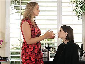 Julia Ann seduces luxurious teenager Joseline Kelly