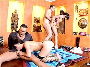buxomy Angel pink and Jeny Baby have a wild four way